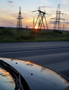Free High Voltage Electricity Pylon Royalty Free Stock Photo - 20547395
