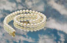 Free Elegant Pearls With Sky Stock Photo - 20548170