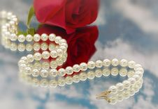 Free Elegant Pearls Over Glass With Cloudsllow Dept Royalty Free Stock Images - 20548219