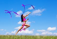 Free Jumping Woman Royalty Free Stock Images - 20550619