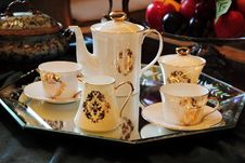 Free Tea Cups With A Pot Royalty Free Stock Photo - 20550625
