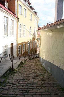 Free Old Tallinn Street Royalty Free Stock Photos - 20555958