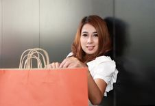 Free Shopping Woman Royalty Free Stock Images - 20557039