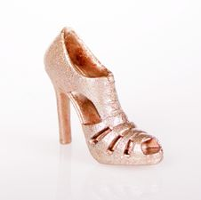 Free Glitter Gold Shoes Royalty Free Stock Photos - 20557898