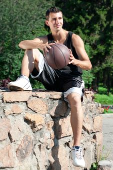 Free Young Basketball Player With Ball Royalty Free Stock Photography - 20560387