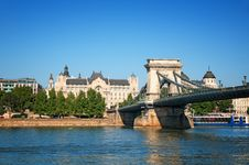 Free Chain Bridge, Budapest Royalty Free Stock Photography - 20562367