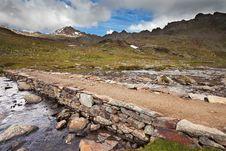 Free Lake And Stones Royalty Free Stock Image - 20567396