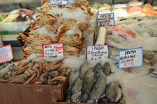 Free Pike Place Market Crab, Fish, And Shrimp Stock Photo - 20572780