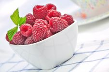 Free Raspberries In A White Bowl Stock Photography - 20579322