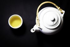 Free Tea Pot And A Cup Of Green Tea Stock Photo - 20580240
