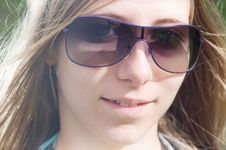 Free Woman With Sunglasses Royalty Free Stock Images - 20583199