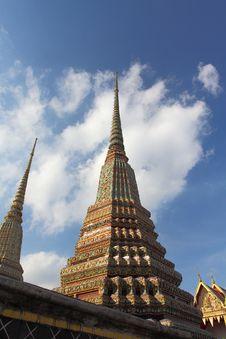 Free Wat Pho Thatian Pagoda Royalty Free Stock Photo - 20586435