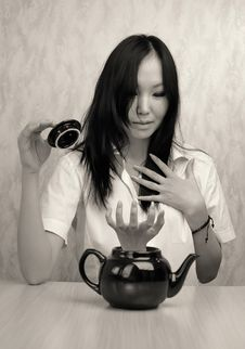 Free Girl And Teapot Stock Photography - 20588922