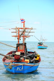 Free Traditional Fishing Boats Royalty Free Stock Photos - 20589438