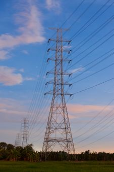 Free Electricity Supply Pylons In Countryside Royalty Free Stock Photos - 20592798