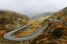 Free Serpentine Road In Autumn Alps Royalty Free Stock Photo - 20593445