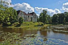 Free Medieval Castle In Jaunpils. Royalty Free Stock Photo - 20594245