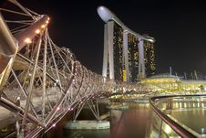 Free Helix Bridge And Marina Bay Sands Royalty Free Stock Photos - 20595708