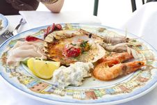 Free Plate With Seafood Royalty Free Stock Photo - 20598135
