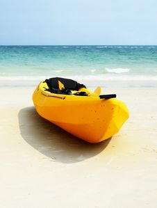 Free Banana Boats By The Shore Royalty Free Stock Photography - 20599397