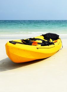 Free Banana Boats By The Shore Royalty Free Stock Photos - 20599448