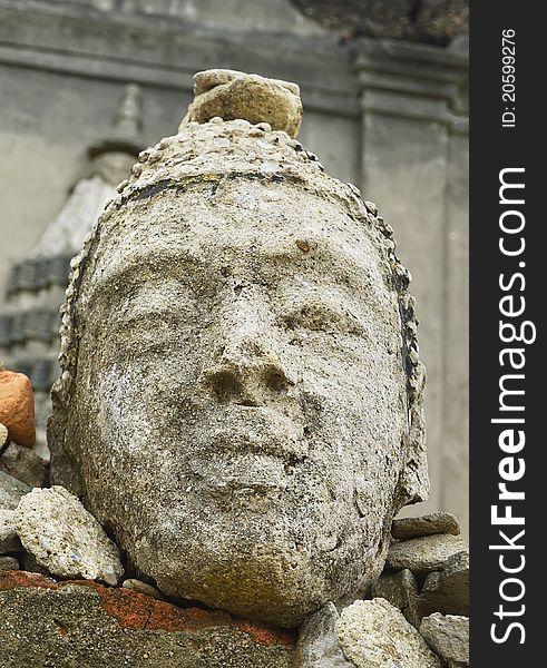 Buddha statue. Wat saam prasob