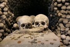 Free Skulls In A Memorial Stock Photography - 2061312