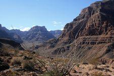 Free Desert Mountains Royalty Free Stock Image - 2062036