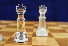Free Chess Game - 2 Kings Blue Background Royalty Free Stock Photography - 2064627