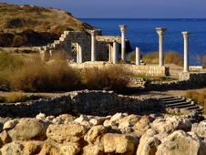 Free Ancient Columns Of Khersones, Crimea Royalty Free Stock Photos - 2068748