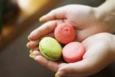 Free Macaroon In The Hands Stock Images - 20600224