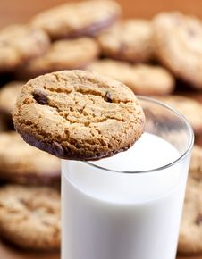 Free Home Made Cookies And Milk Stock Images - 20605174