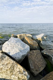 Free Rocks On The Beach Royalty Free Stock Photo - 20608175