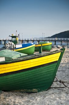 Free Fishing Boat On The Seaside Royalty Free Stock Photography - 20608187