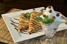 Pancakes With Chocolate Sauce Royalty Free Stock Photos