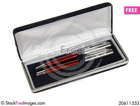 Free Two Pens In Black Velvet Box Stock Photos - 20611553