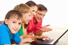 Free Family With Laptop Stock Images - 20610144