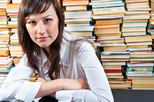 Free Student Girl In Library Royalty Free Stock Photography - 20610897