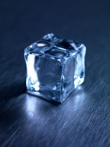 Free Ice Cubes Royalty Free Stock Image - 20612206
