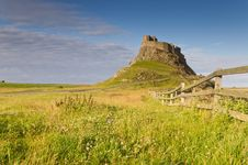 Free Fence To Lindisfarne Castle Royalty Free Stock Photography - 20614677