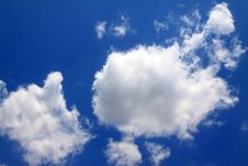Free Blue Sky And White Clouds Royalty Free Stock Photography - 20619907