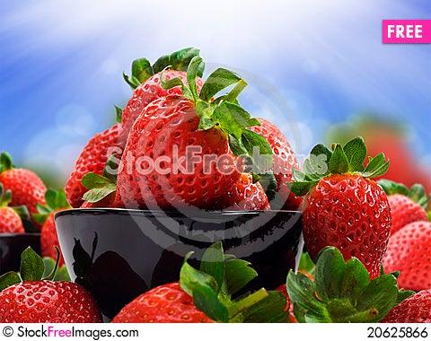 Free Fresh Healthy Strawberries Royalty Free Stock Image - 20625866