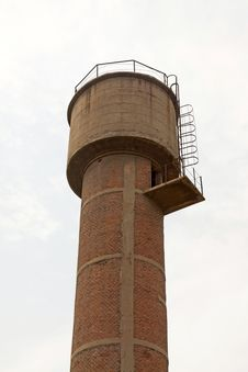Free Red Brick Storage Water Tower Royalty Free Stock Image - 20621766