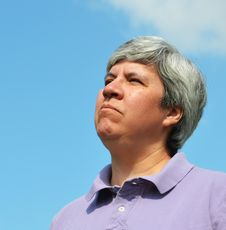 Free Middle Aged Woman Looking Skyward Royalty Free Stock Photo - 20625795