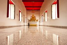 Free Buddha Statue In Practice Room Royalty Free Stock Photos - 20625808