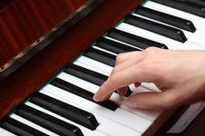 Free Playing The Piano Royalty Free Stock Photography - 20627637