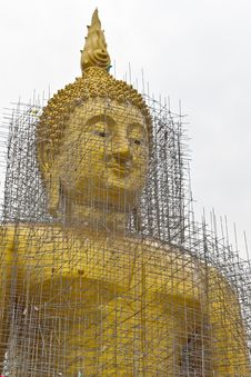 Free Reconstruction Of Gold Buddha Royalty Free Stock Images - 20633409