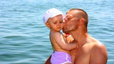 Free Father Kissing His Daughter Stock Images - 20634514