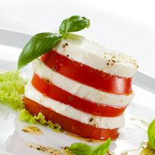 Free Caprese Salad Royalty Free Stock Photos - 20635108