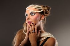 Free Surprised Girl Wearing Pearls And Diamonds Stock Photo - 20635230